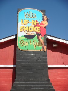 Kelli's Up-n-Smoke Bar and Grill